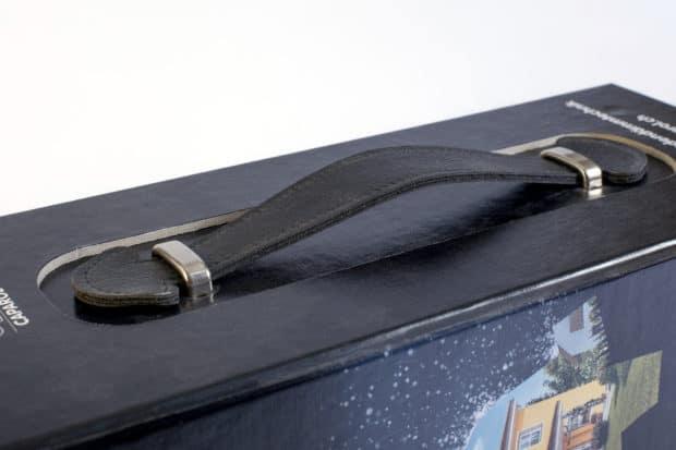 Maleta para muestras de SATE o ETICS con asa de cuero sintético cosido de gran calidad