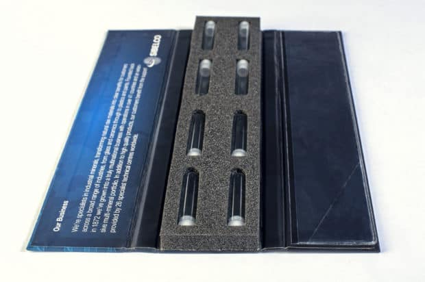 Boîte nuancier en carton contrecollé rembordé imprimé en quadri pelliculage mat
