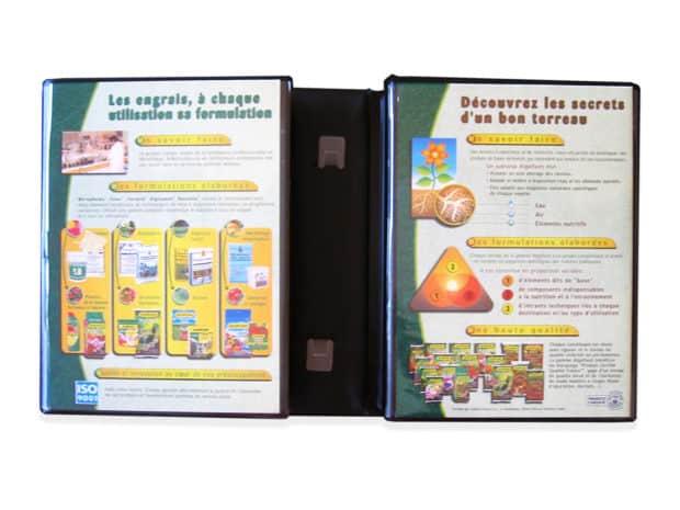 Personnalisation facile du présentoir grâce aux pochettes en PVC transparent soudées