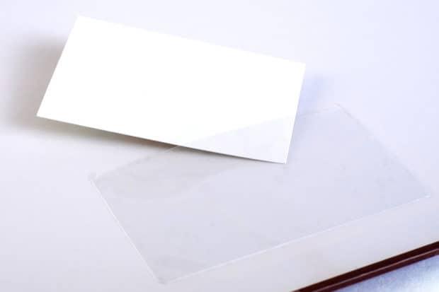 Classeur carton imprimé avec porte carte de visite