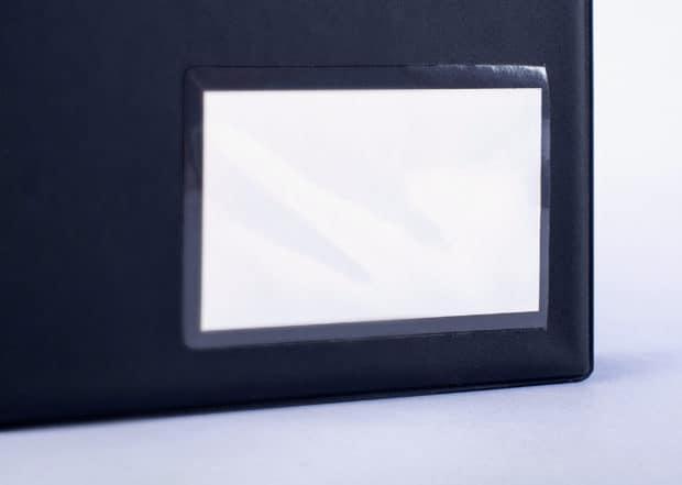 Classeur pvc pour format A4 avec porte carte d'identification en façade