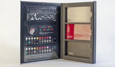 Coffret carton aimanté et mousse pour liasses d'échantillons de stratifés