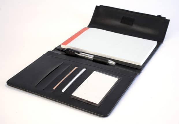 Conférencier A5 avec compartiments pour documents et porte-cartes