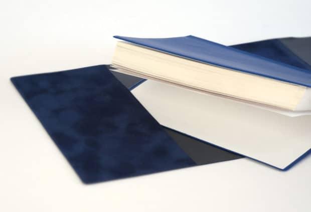 Création de rabats sur-mesure pour couvre-livres souples et sans reliure