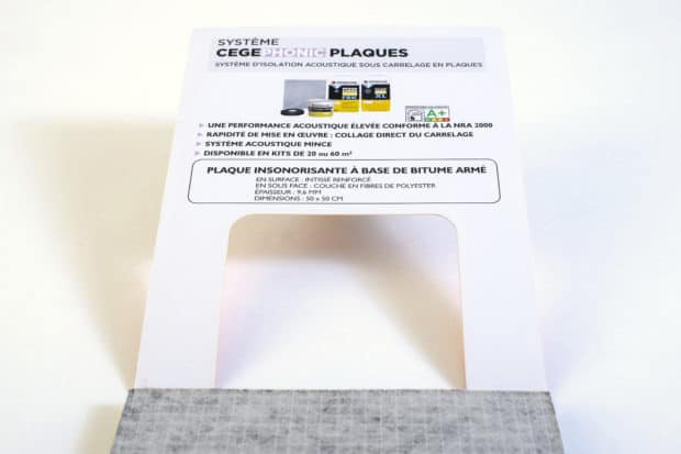 Kommunikation auf der Innenseite des Karton-Covers direkt neben dem Echtmuster