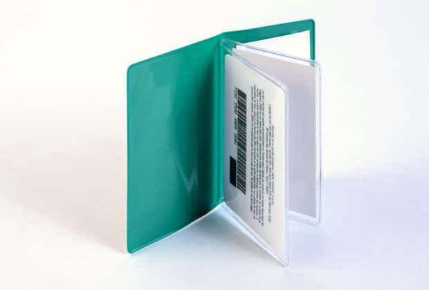 Étui avec poches et volets en PVC cristal pour ranger 6 cartes