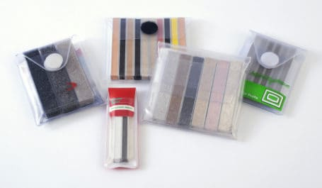 Étuis-nuanciers PVC sur mesure pour présentation de joints de carrelage ou de parement