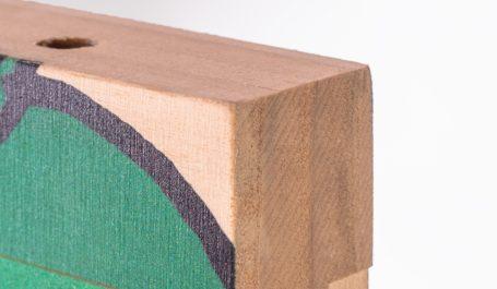 Hochaufgelöster Digitaldruck auf dickem Holz