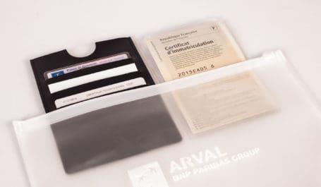 Pochette en EVA avec un porte-cartes en simili-cuir et un étui transparent pour carte grise