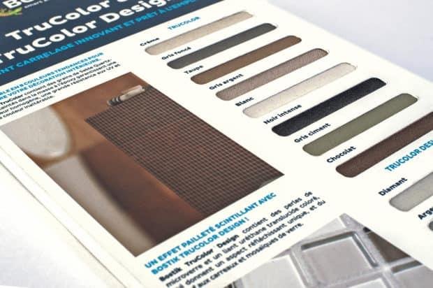 Digitaldruck auf der Hartschaum-PVC-Platte und Anbringen eines zugeschnittenen Passepartouts für ein perfektes Finish