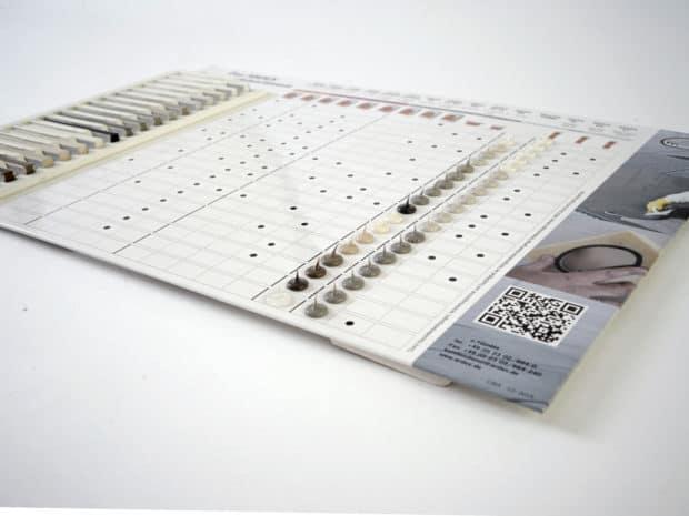 Nuancier PLV comptoir-chevalet en carton avec des gouttes silicone réalisées par Design Duval