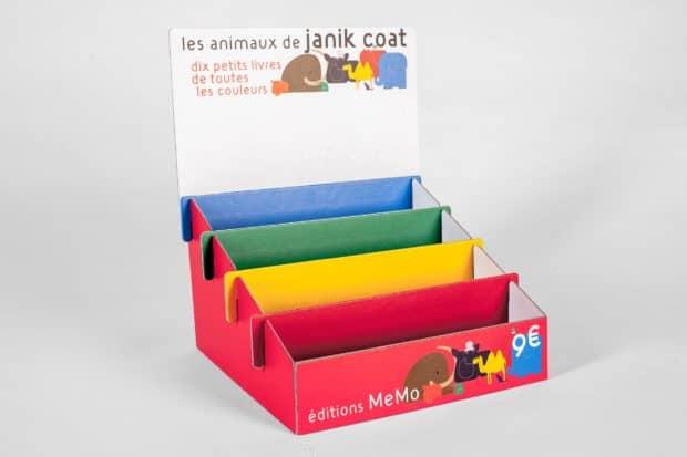 Farbenfroher Premium-Thekenaufsteller aus direkt bedruckter Pappe für Kinderbücher