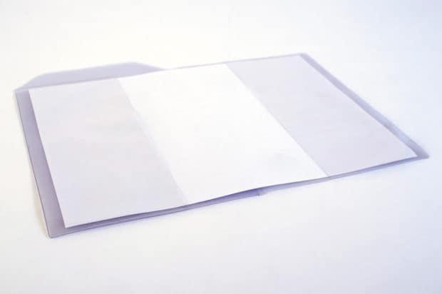 Pochette compartimentée en PVC transparent souple et lumineux, parfait pour visualiser le contenu