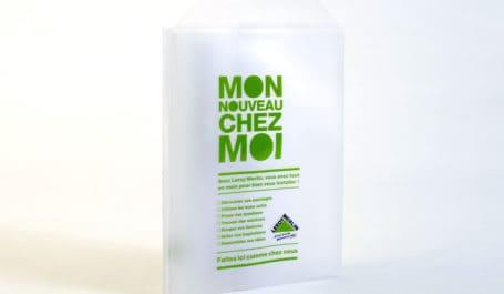 Pochette à plusieurs compartiments en PVC transparent