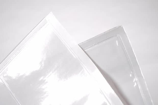 Pochette en PVC cristal transparent pour une lisibilité optimale