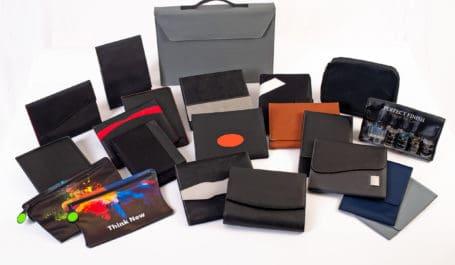 Konzeption und Produktion von maβgeschneiderten Wagenpapiertaschen und Bordbuchmappen