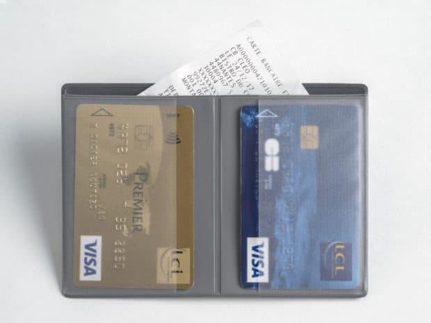 Étui soudé avec 2 emplacements pour cartes bancaires et 1 pochette pour facturettes