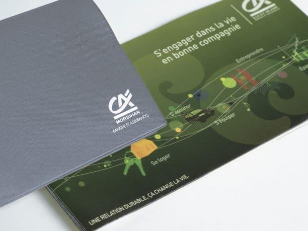 Impression sérigraphique blanche sur porte-chéquier en PVC soudé