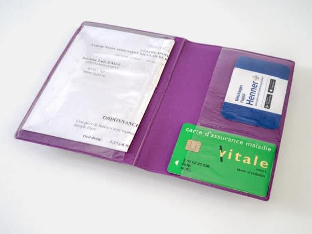 Protège-ordonnances personnalisé avec 3 poches en PVC cristal