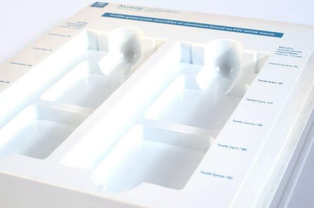 Marquage sérigraphique 1 couleur sur la pièce thermoformée du présentoir