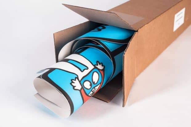 Pegatina de suelo con embalaje unitario e indicaciones para el envío