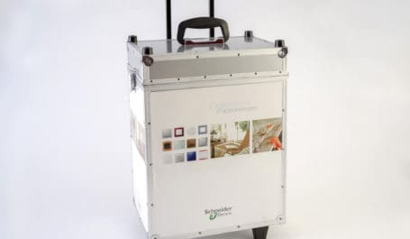 Valise de démonstration en alu imprimé avec présentoirs pour interrupteurs électriques