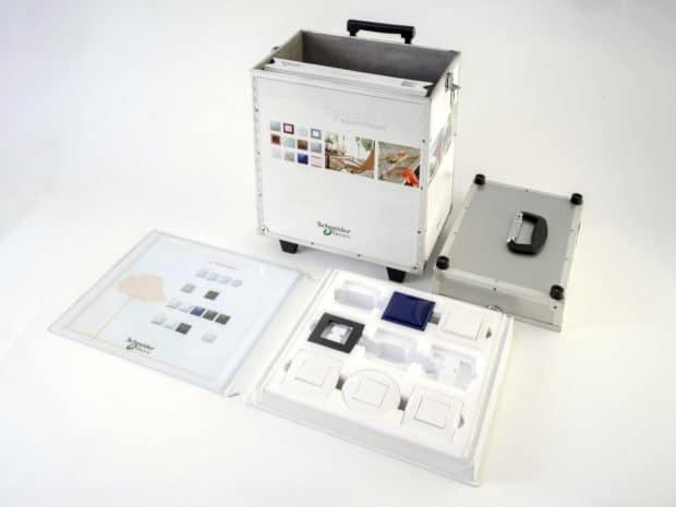 3 coffrets en PVC avec thermo et mousse pour présentation gammes interrupteurs
