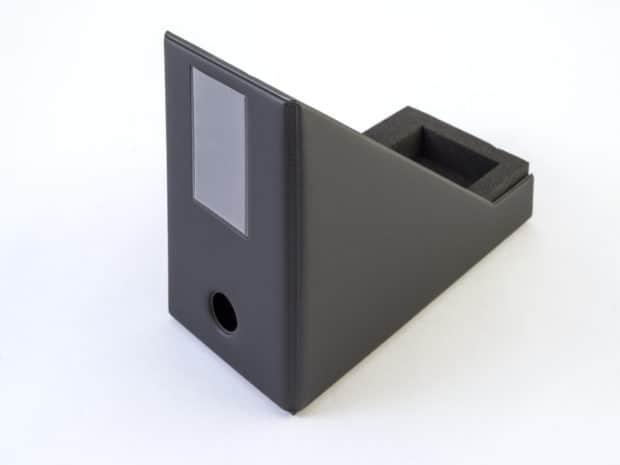 Fourreau en PVC avec cale mousse pour angle de porte
