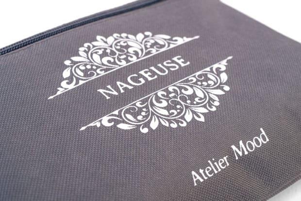 Kulturtasche aus Polyester mit einfarbigem Siebdruck für Kundenname und Logo