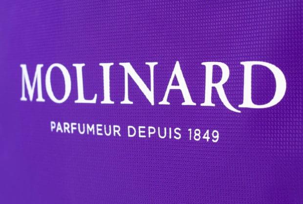 Bolsa publicitaria para compras de gran calidad con el logo y texto del cliente impresos en ambos lados