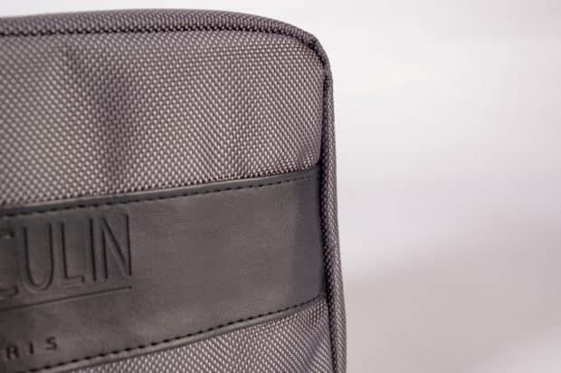 Stilvolle Toilettentasche aus einer schicken und originellen Materialkombination