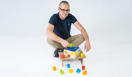 Sample presentation and manufacturer-prototyping