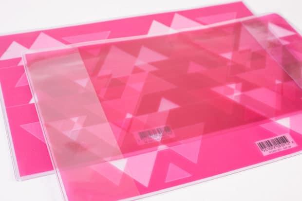 Couverture avec rabats en PVC imprimé