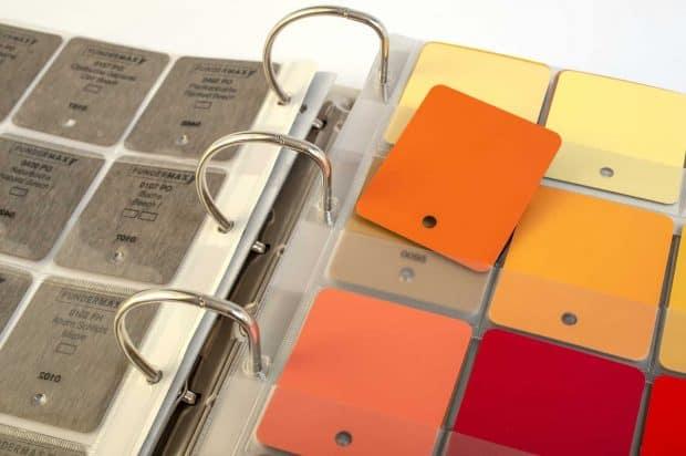 Intercalaires cristal PVC avec impression sérigraphique et point pour fixer les échantillons percés