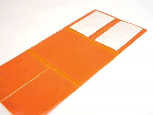Étui multicarte avec soudure de séparation pour créer deux emplacements au format carte bancaire