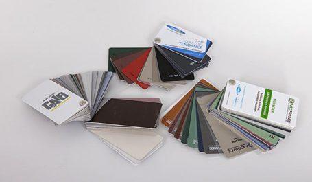Musterfächer und Farbkarten für Aluminiummuster und Holzmuster