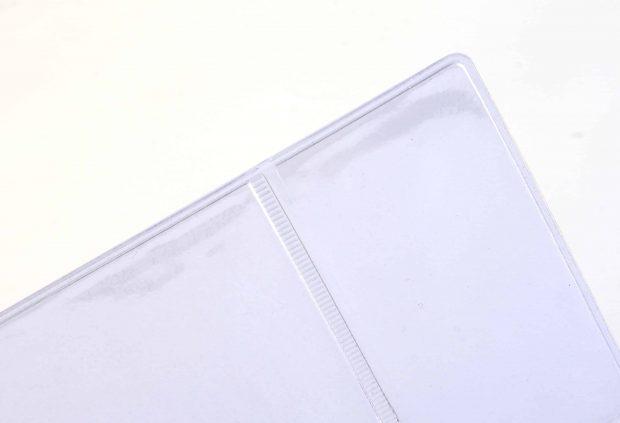 Pochette en PVC transparent avec 2 placements créée par soudure haute fréquence