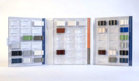 Langlebige Mustermappe aus PVC mit exakt für die Musterformate entwickelten Tiefziehteilen